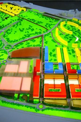 plastico modello architettura paesaggio scala volumi colorati