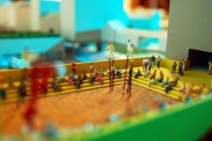 modello architettura plastico teatro cittadino con persone