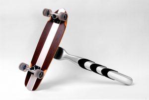 modello replica rasoio con skate dimensioni reali per spot tv