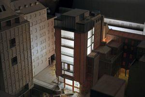 plastico modello architettura in legno con luce dordoni milano